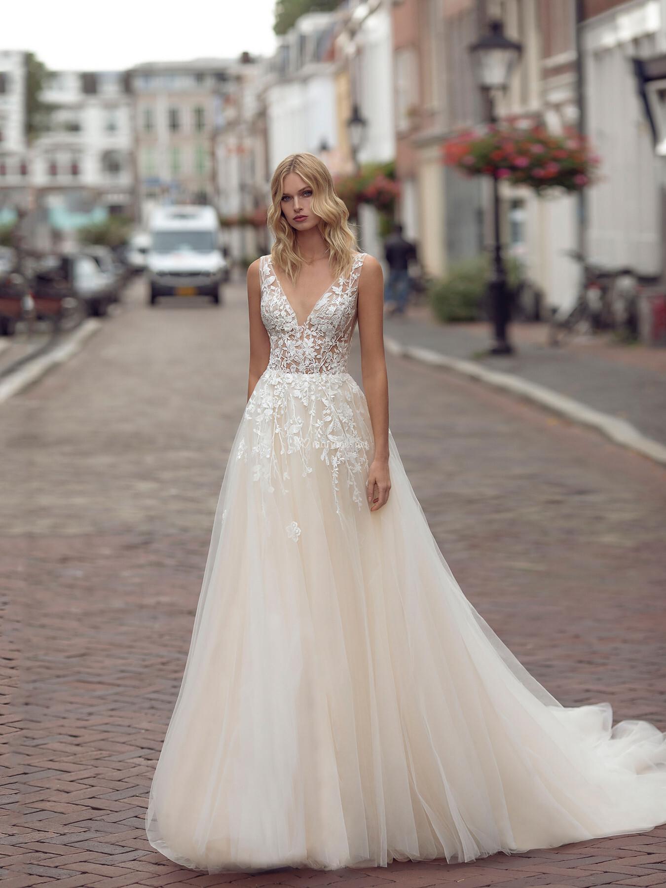 MODECA KIMBERLEY les mariées du faubourg vernet robes de mariées monteux vaucluse